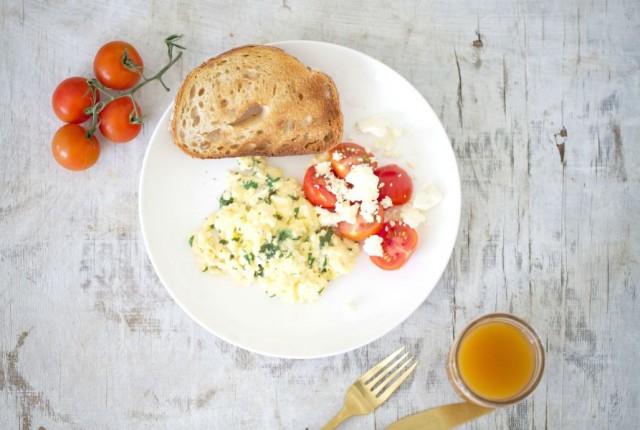 Scrambled Eggs Feta Tomato LR1